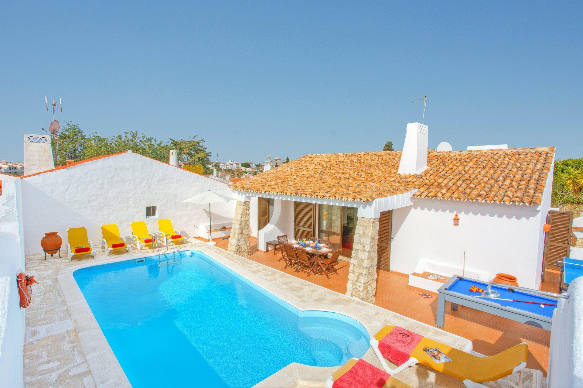 Villa Aveiros, Praia D'Oura, Algarve, Portugal