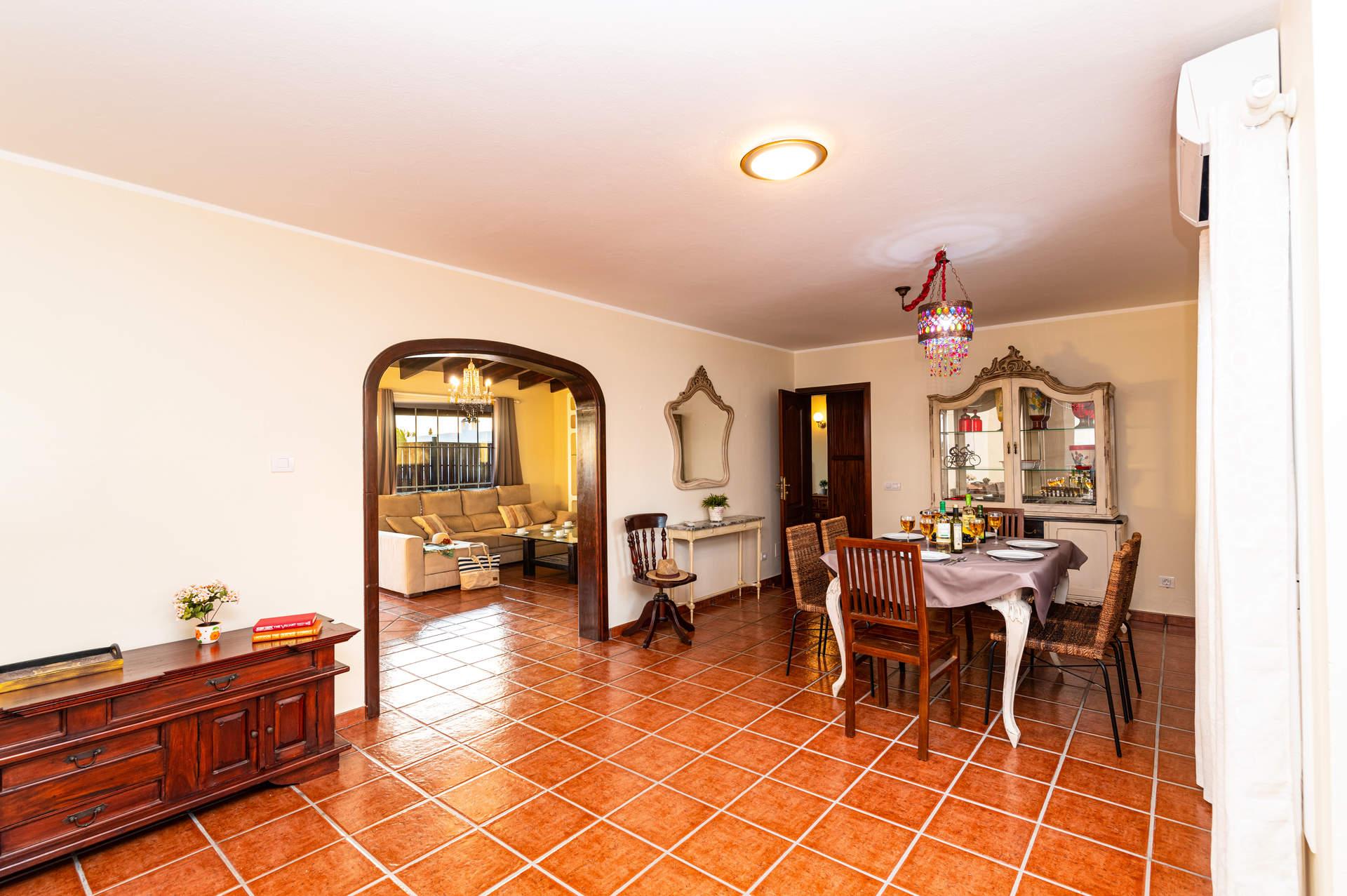 Villa Roca Negra In Playa Blanca Lanzarote Villa Plus