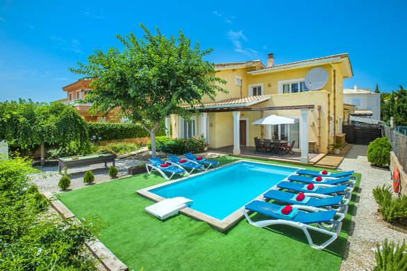 Villa Ferreret In Alcudia Majorca Villa Plus